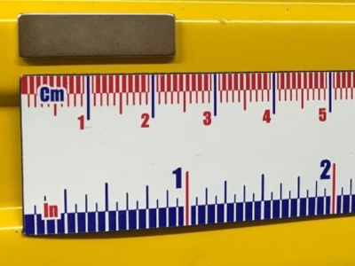 Magnetic measuring tape